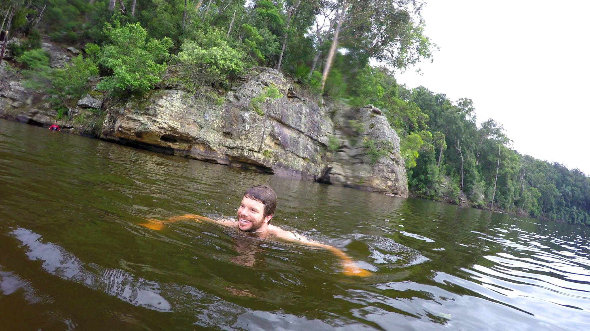 Camping Beehive Point - Ritchie Schafe in the water after a cliff jump